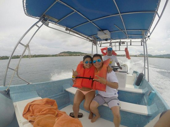 Marietas Islands : My friend and her dad in the speed boat that we got instead of an overpriced tour.