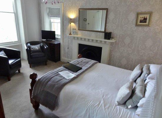 Highcliffe House: Room