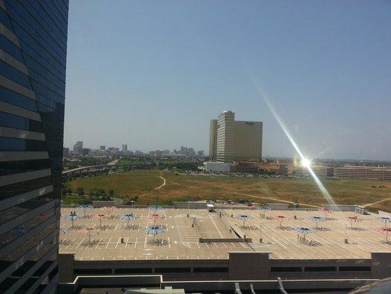 Harrah's Resort Atlantic City: far away skyline. ..thats the Boardwalk Over there