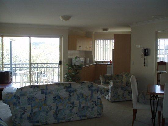 Golden Riviera Beach Resort: interior