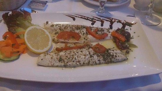 Ta'Peter Restaurant: Lovely seabass