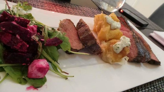 Radisson Blu Waterfront Hotel: Main course!