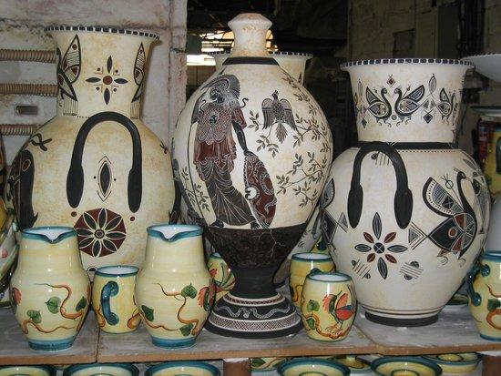 Savvas Pottery照片