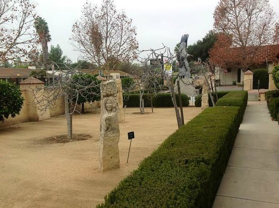 Ojai Valley Museum of History and Art: Front Courtyard Sculpture Garden.