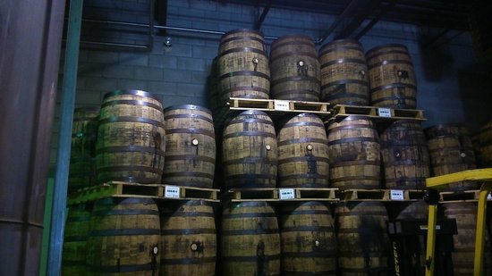 Forty Creek Distillery : Whiskey Barrels Awaiting Filling