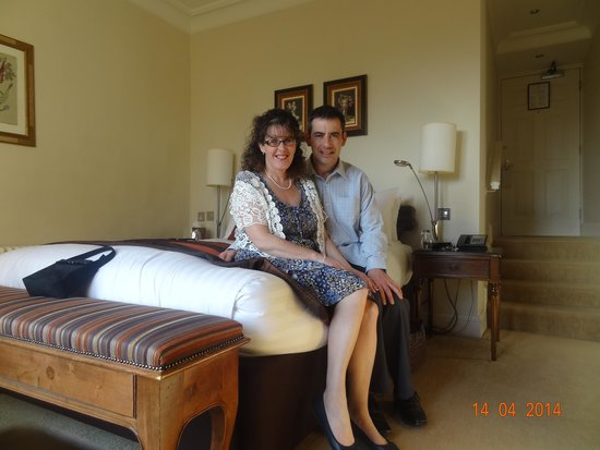 Ettington Park Hotel: Us in our bedroom