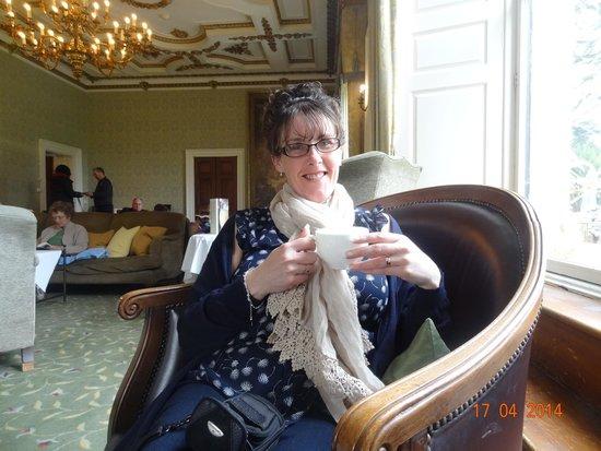 Ettington Park Hotel: Having a delicious cream tea