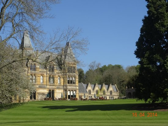 Ettington Park Hotel : The superb grounds
