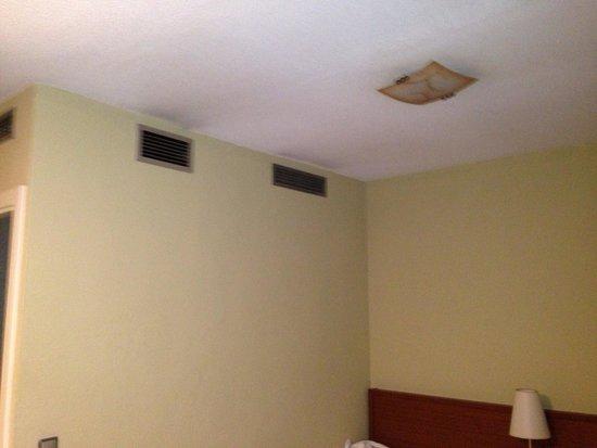 Apartamentos Juan Bravo: Dommage!!