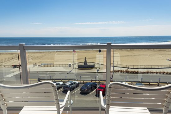 Ashworth by the Sea: Balcony View