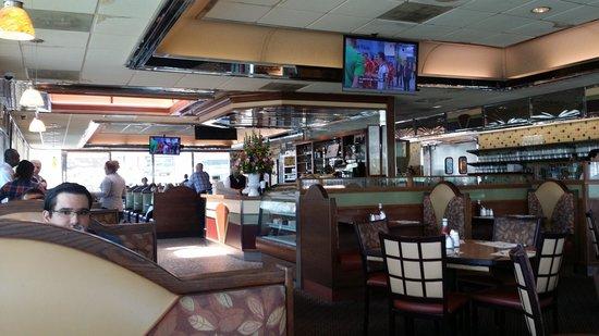 Metro 29 Diner: The inside