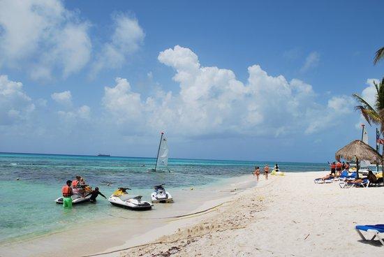 Sandos Caracol Eco Resort : the beach