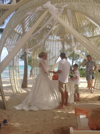 Sandos Caracol Eco Resort : married in mexico!!