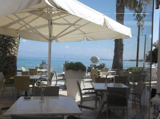 Coral Hotel: The front terrace of the hotel - lovely lunches