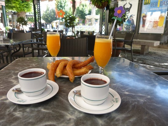 Gran Cafe at Bib Rambla: Total decadence