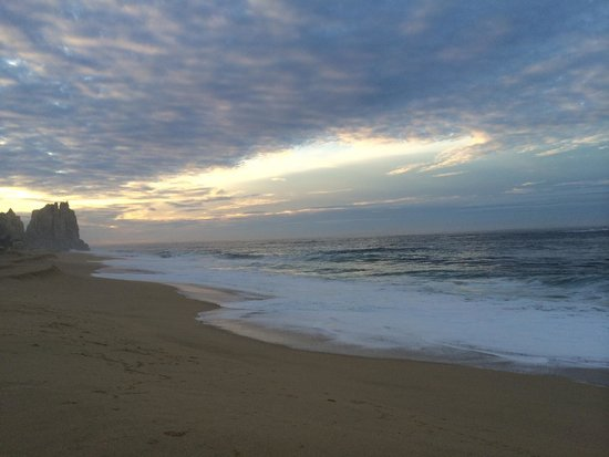 Grand Solmar Land's End Resort & Spa: Solmar beach at sunrise
