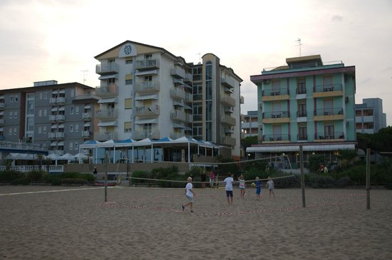 Hotel Edera : View from the beach