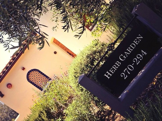 Ojai Valley Inn & Spa: Herb Garden mini- suite sign