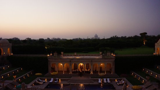 The Oberoi Amarvilas: View at Night from Bar Patio