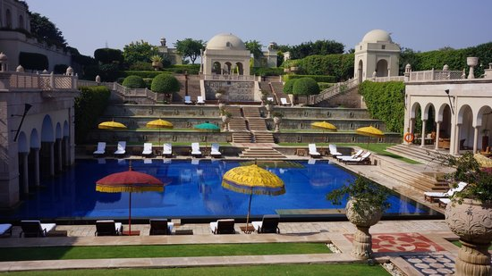 The Oberoi Amarvilas: Hotel Pool