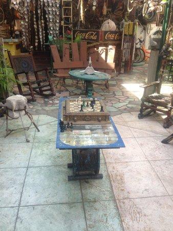 Hotel Arte y Museo Yeneka: Siempre puedes jugar una partida de ajedrez