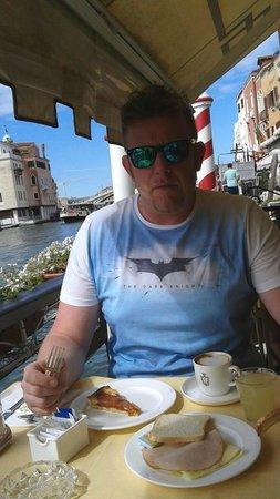 Hotel Continental Venice : posizione colazione