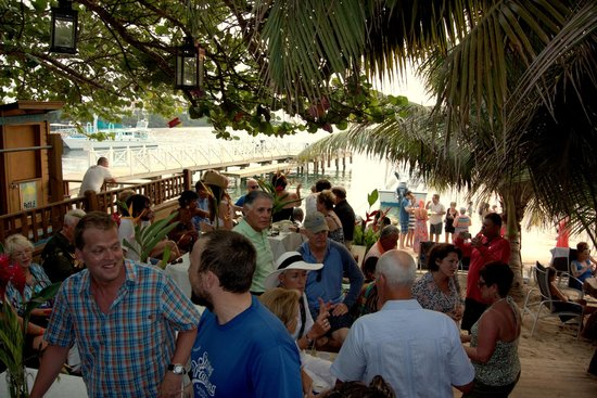 Sundowners: Meet and Greet at Sundowner's