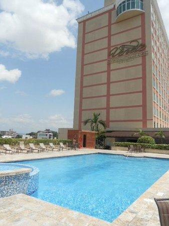Veneto Hotel & Casino: POOL AREA