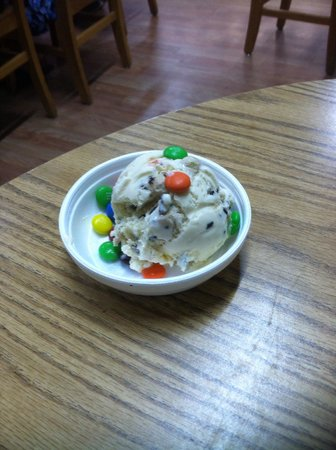 Jack the Dipper Ice Cream: Kids cookies n cream with M&M's