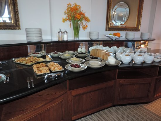 Laura Ashley Hotel The Belsfield: buffet breakfast
