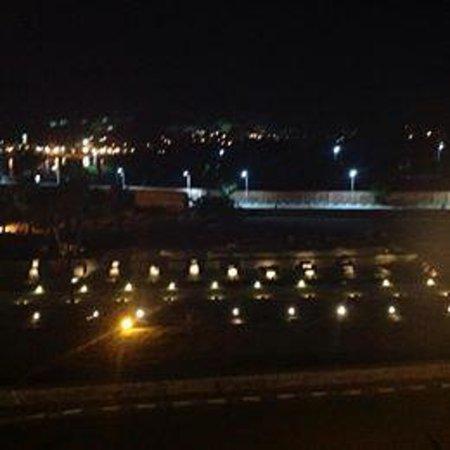 Al-Sahaby Lane Restaurant : View at night