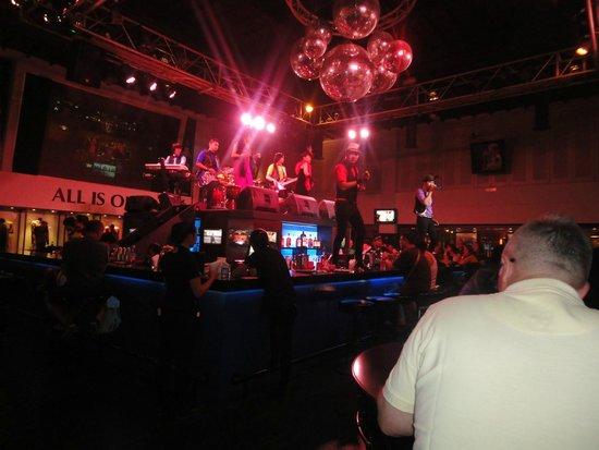 Hard Rock Hotel Bali: live music
