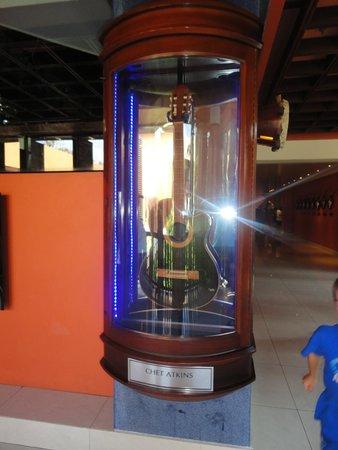 Hard Rock Hotel Bali: Inside hotel