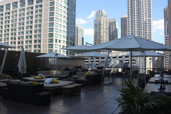 The Gwen, a Luxury Collection Hotel, Chicago : rooftop deck