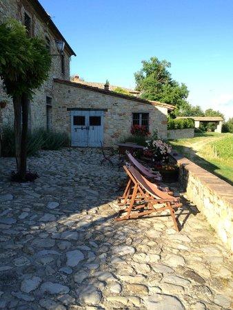 Borgo Argenina: view by front door