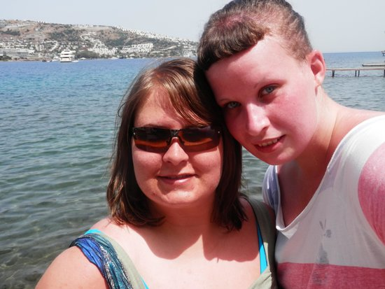Hotel Baia Bodrum : me and my sister in gondugan
