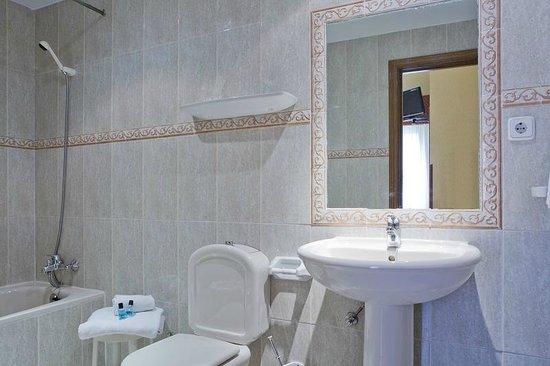 Hostal Residencia Don Diego: Cuarto de baño