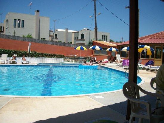 Camari Garden Apartments: pool view