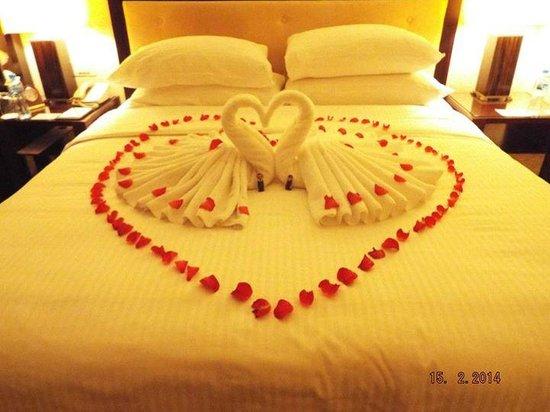 Shangri-La Hotel, Dubai: Towel swans