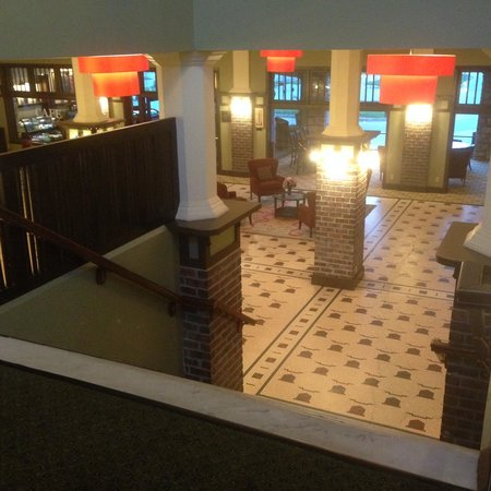 The Elms Hotel and Spa: Hotel lobby from the top of the stairs
