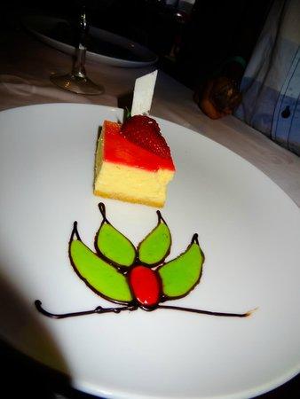 Grand Palladium Riviera Resort & Spa : Cheesecake dessert in the Steakhouse