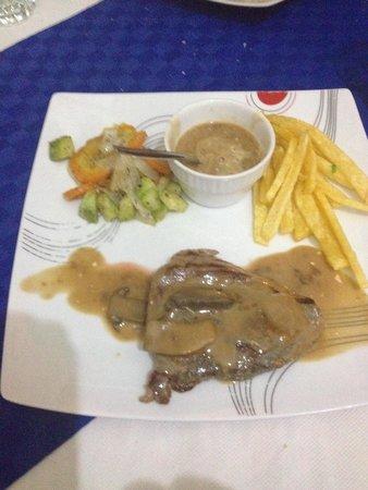 Delice Resto : Filet de jeune bœuf sauce champignons