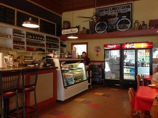The Classic Deli and Ice Cream Shoppe: interior