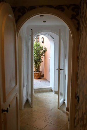 The Inn At The Roman Forum - Small Luxury Hotel : our courtyard