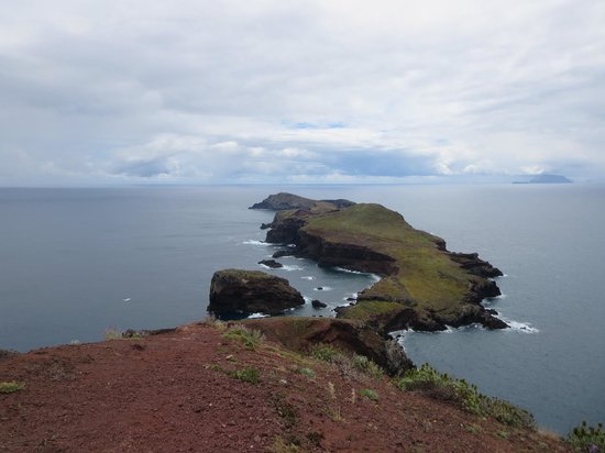 Ponta de Sao Lourenco: View at end looking to Deserted Isles