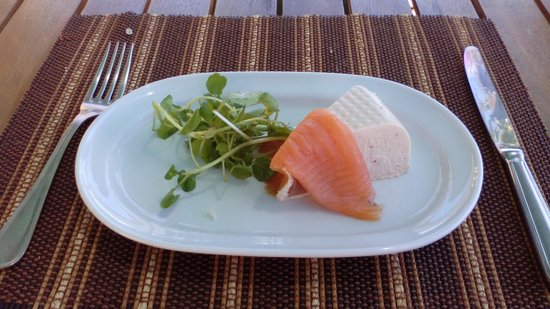 Bunkers Bistro & Grill: smoked salmon and sakmon mouse