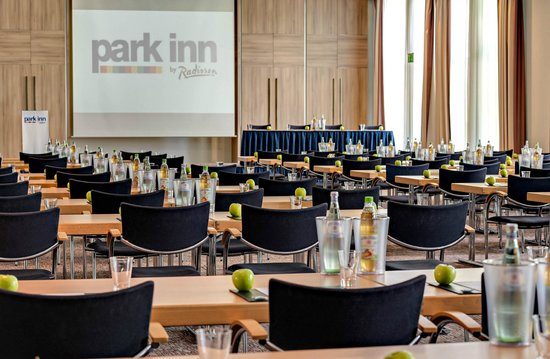 Park Inn by Radisson Koeln City West: Conference Room