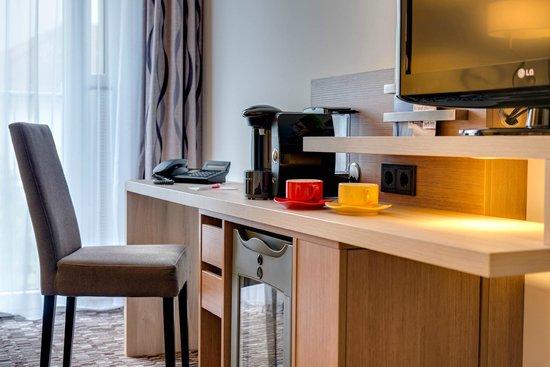Park Inn by Radisson Koeln City West : Amenetie Comfort Room