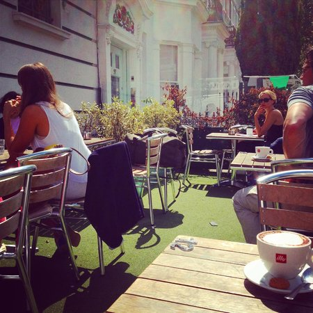 La Bottega in Kensington: the terrace