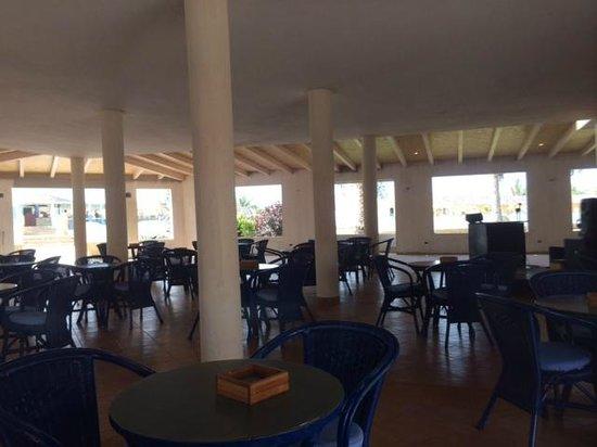 Crioula Club Hotel & Resort: Sala coperta della piazzetta del villaggio